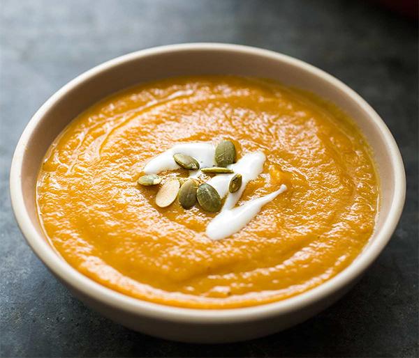 Шестая фотография к инструкции по приготовлению рецепта Пряный тыквенный суп-пюре