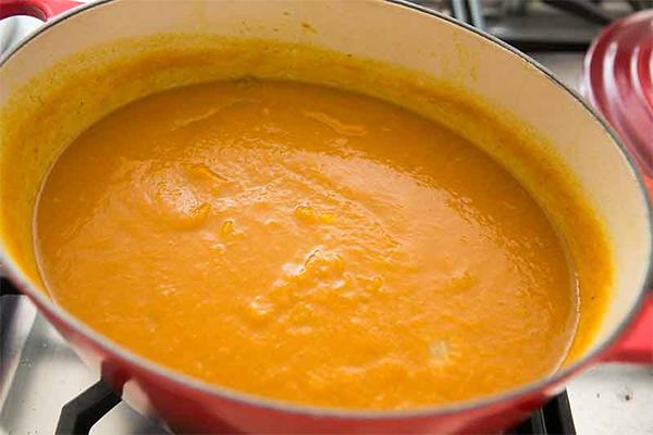Четвертая фотография к инструкции по приготовлению рецепта Пряный тыквенный суп-пюре